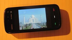 Nokia 5800 with image of the Taj Mahal