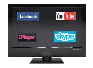 Smart TV brings social media mainstream